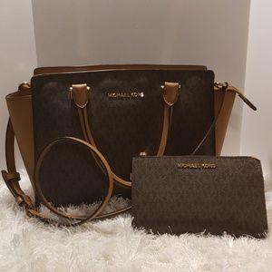 EUCMichael Kors Signature Bag and Matching Wallet
